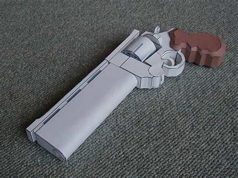 Guns Made Out of Paper (30 pics) | Nuffy