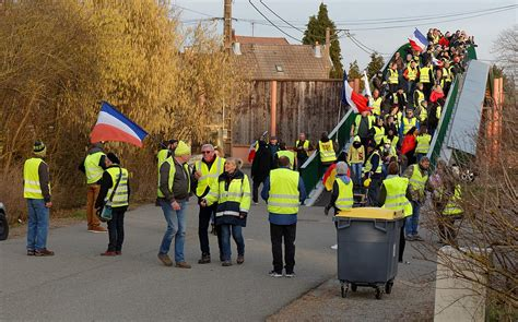 Yellow vests movement - Wikipedia