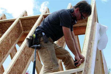 Framing a Two-Pitch I-Joist Roof | JLC Online | Framing