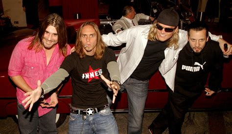 Entire Band Quit Puddle Of Mudd Mid-Show After Lead Singer