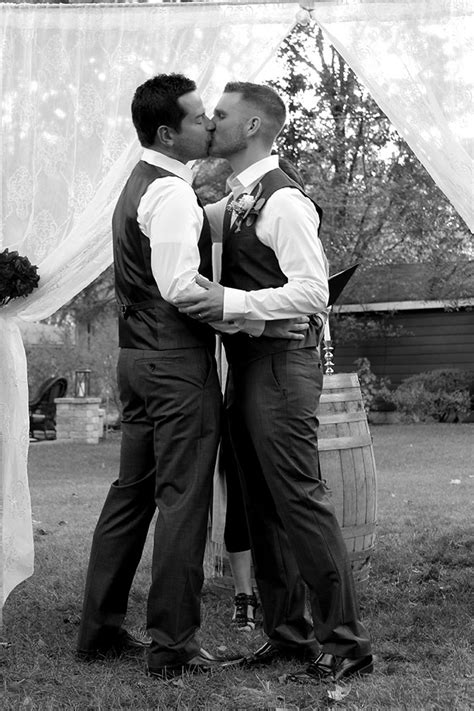 Chicago, IL - Same-Sex Marriage Officiant and Celebrant