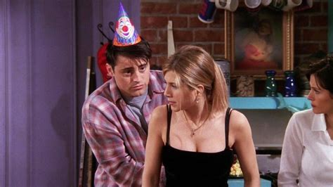 """Friends 4x16 """"The One With The Fake Party"""" - Trakt"""
