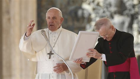 The Christian battle is against evil, not people, pope
