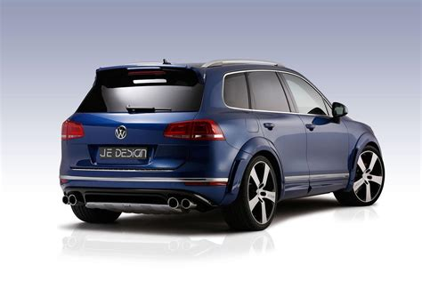 2015 VW Touareg Hybrid, V8 TDI and Cayenne S Diesel Being
