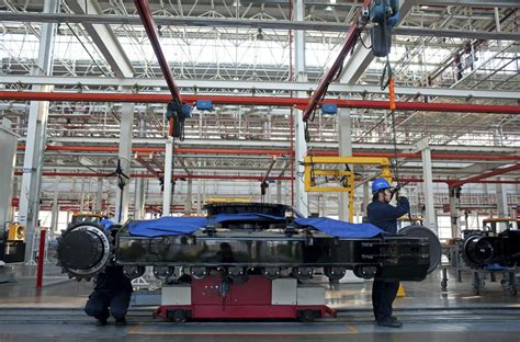 China Heads to Further Slowdown as Manufacturing Activity