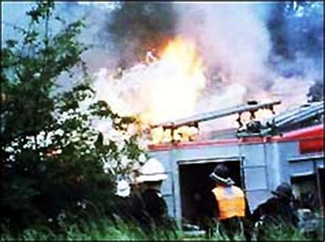 BBC ON THIS DAY | 18 | 1972: Memories of the Staines air crash