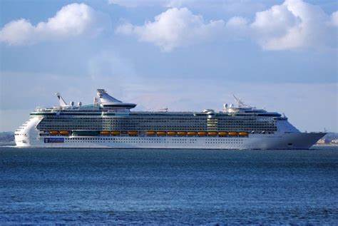 INDEPENDENCE OF THE SEAS — Gallery of INDEPENDENCE OF THE