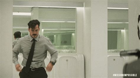 'Spur-of-the-moment' move makes Henry Cavill's fist a